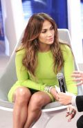 Jennifer Lopez flashing her green panties upskirt paparazzi pictures
