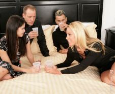 Hot swingers releasing all in nasty foursome