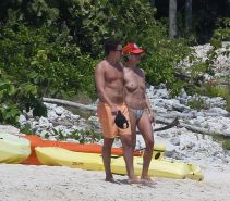 Heidi Klum teasing topless with her BF at the beach in Mexico