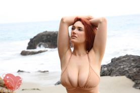 SIRI TAKES OFF HER TOP AT THE BEACH