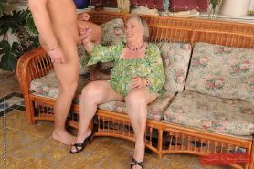 Granny gets fucked and a facial