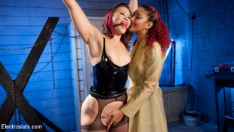 Erotic wrestling star Jayogen submits to the violet wand, electrified pussy plug