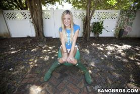 Amy Brooke wears rubber boots before a footjob