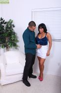 Busty cougar Becca Diamond gets fucked raw