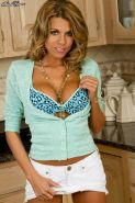 Nicole Graves drops her bra and panties in the kitchen