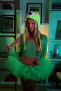 Pretty blonde Brooke Marks strips out her green halloween costume