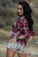 Alektra Blue babe gets her slot filled in a ranch
