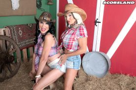 Rita Daniels and Sally DAngelo worship a thick dick in the stabl