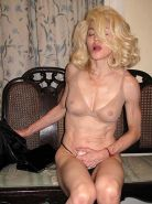 Madonna exposing sexy nude nude body and nice tits on private photos