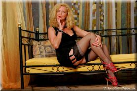 Lady gina in lingerie and stockings