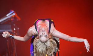 Shakira downblouse and sexy performing on stage paparazzi shoots