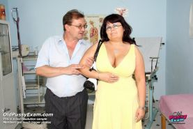 Mature big tits Daniela gyno pussy speculum checkup at clinic