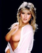 Samantha Fox exposing her huge boobs in some nude photoshoot