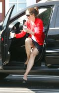 Jennifer Garner flashing her panties while exit from car paparazzi pictures
