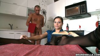 Brandi Belle and her servant sucking their pussy