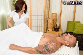 The art of Asian cock massage made by mature Kim Anh