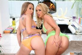 Flexible bitches Jamie Elle and Kelly Wells pumped full of cum