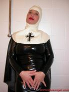 Latex Angel anal speculum insertions