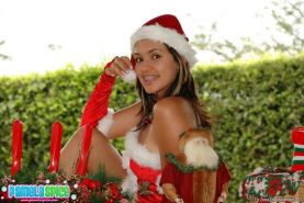 Pictures of teen girl Pamela Spice giving you her body for xmas