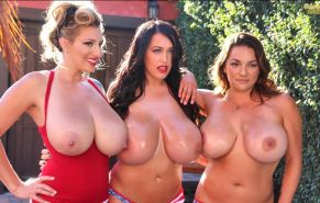 Pinup babe September Carrino hooks up with Leanne Crow and Monica Mendez for some hot candids