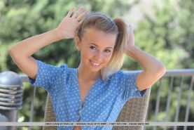 Stunning teen Linda Chase gets naked and spreads her legs for you
