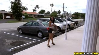 Latin amateur Amber Marie Summers gets picked up on the street for hot sex