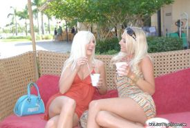 Pictures of Molly and Jana enjoying sweet tasting pussy