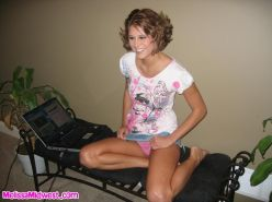 Pictures of teen chick Melissa Midwest giving a hot hand job