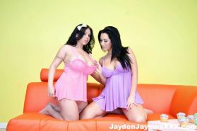 Picture sof Jayden James getting her pussy eaten by Sheridan Love