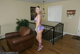 Pictures of teen babe Desirae Spencer wearing only her fuck-me pumps