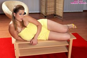 Busty babe Terry Nova falls out of her yellow dress