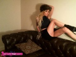 Valentina Smith gets topless for you in a fuzzy hat