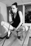 Pitures of pinup girl Darenzia showing off in black and white