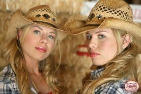 Hot country girls The Texas Twins want to play with you in the barn