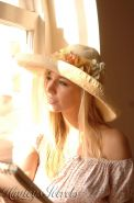 Pictures of Hayley Marie looking beautiful in her summer hat
