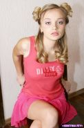 Pics of teen hottie Kristina Fey showing her naked body