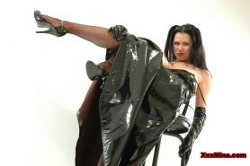 Pictures of teen babe XXX Mina giving you a sexy leather fantasy