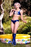 Mosh is mouthwatering in shiny blue latex, playing in her paddling pool