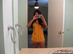 Horny ex Britney Brighton takes selfies and gets a creampie