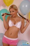 Pictures of teen hottie Sandy Summers getting kinky with balloons