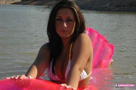 Pictures of teen Lunas Cam slipping out of her bikini outside