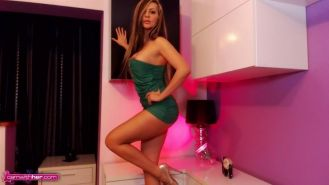 Sexy cam girl Jessy Jo shows off her new skimpy green dress