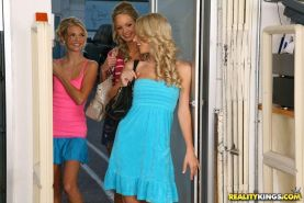Pictures of Jana, Sammie and Franziska lezzing out in a store