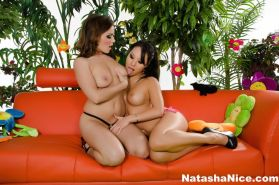 Watch Natasha Nice do her first anal with the help of Asa Akira