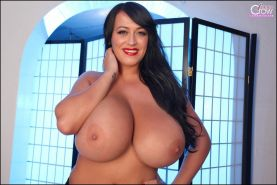 Busty babe Leanne Crow shows off her massive boobs