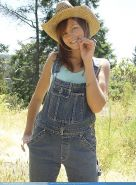 Pictures of teen hottie Josie Model getting hot on the farm