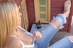 Pics of teen girl Alison Angel getting horny at a crazy golf course