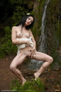 Beautiful girl Night A shows you her pretty pussy in the forest