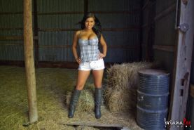 Briana Lee flaunts herself as a sexy country girl in the barn