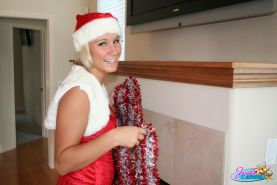 Pictures of Jayda Brook giving you her pussy for xmas